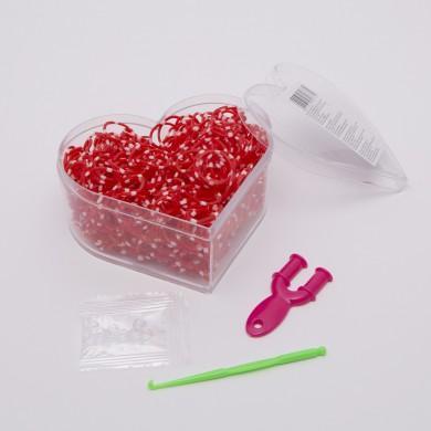 Kit complet de confecţionat brăţări din elastic în cutie model inimă